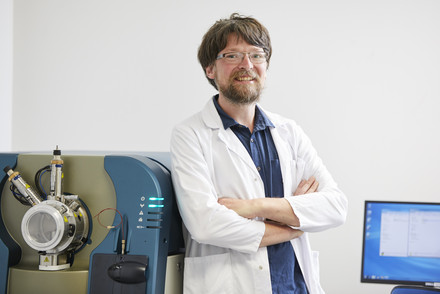 Prof. Dr. Markus Ralser: Research area biochemistry and systems biology of cellular metabolism. Photo: Janie Airey.